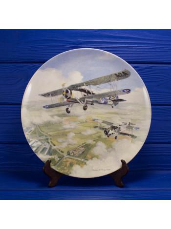 """Большая фарфоровая тарелка № 562 """"Swordfish"""" из коллекционной серии Seaborne Aircraft от Coalport"""