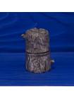 Наперсток в форме дупла дерева, внутри которого живет белочка серии The Surprise Collection от Thimble Collectors Club