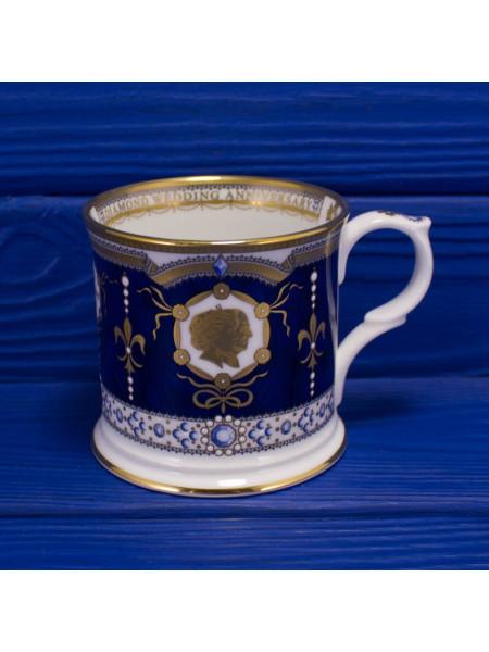 Кружка для чая из Букингемского Дворца, выпущенная в честь бриллиантовой свадьбы английской королевы Елизаветы II и герцога Эдинбургского Филиппа, золото 22К