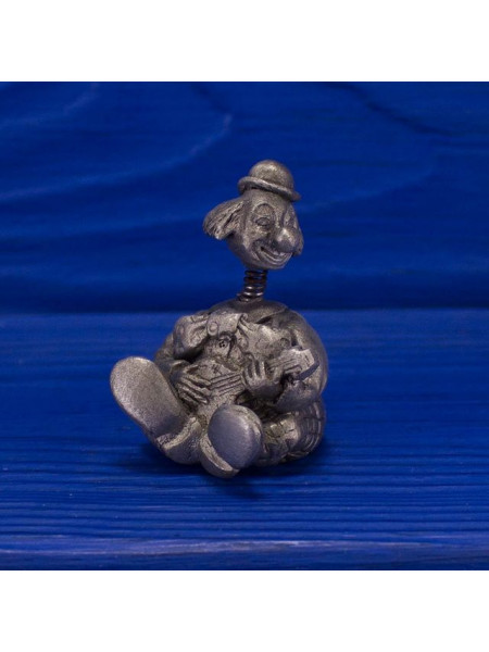 Коллекционный металлический наперсток в виде клоуна, играющего на гитаре, чья голова качается на пружинке