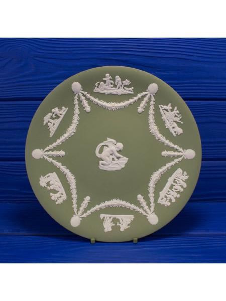 Коллекционная тарелка от Wedgwood из бисквитного фарфора