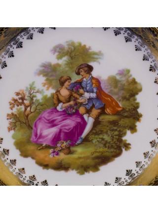 Средняя тарелка от Limoges с золотым ободком⠀