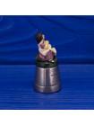 Коллекционный наперсток с снимающейся шляпкой, на которой восседает Little Miss Muffet - персонаж известной детской считалочки