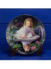 "Тарелка Danbury Mint №3143 ""Mondays Child"" из коллекционной серии Children of the Week"