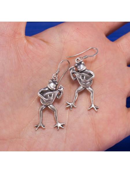 Очаровательные серьги в форме лягушек, играющих на лютне, из серебра 925 пробы