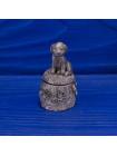 Коллекционный металлический наперсток с объемной фигуркой щенка на шляпке, сняв которую мы найдем спрятанную косточку