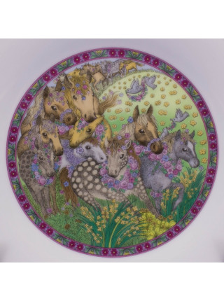 Коллекция фарфоровых тарелок от Franklin Porcelain с днями недели, иллюстрирующая детскую считалку