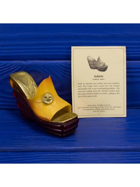 Туфелька Solaris 2001 года выпуска, из популярной коллекции Just The Right Shoe