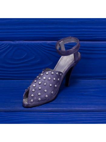 Реплика знаменитой Pave 1998 года выпуска от Just The Right Shoe