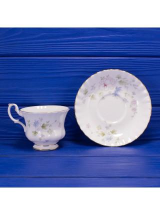 Винтажная чайная пара из костяного фарфоровая дизайна Meadow Flower от Royal Albert