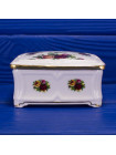 Винтажная шкатулка редкой формы из костяного фарфора дизайна Old Country Roses от Royal Albert
