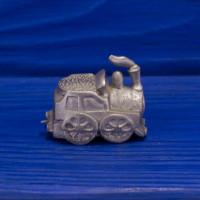Коллекционный металлический наперсток с объемной фигуркой паровоза