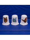 Трио коллекционных наперстков с бабочками из английского костяного фарфора от Blue Waters Giftware