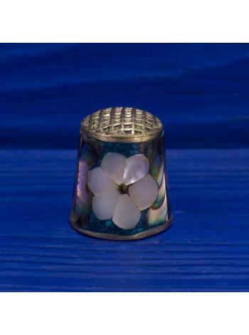 Удивительной красоты наперсток с изображением цветка, инкрустированный перламутром