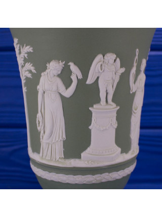 Коллекционная ваза в античном стиле от Wedgwood