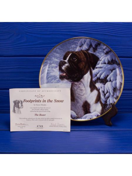 """Тарелка """"Footsprints in the Snow"""" серии The Boxer, посвященной определенной породе собак, от Danbury Mint"""