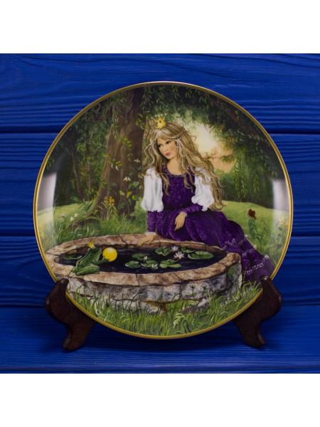 "Тарелка Kaiser Porcelain номер E 5170 ""The Garden Swing"""