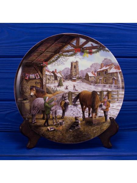 """Тарелка Wedgwood """"Christmas Cards"""" серии Christmas Companions"""