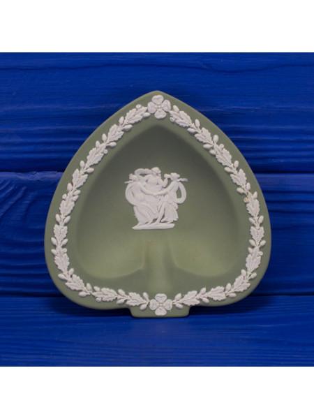 Коллекционная тарелка Wedgwood Пики серии Карточные масти