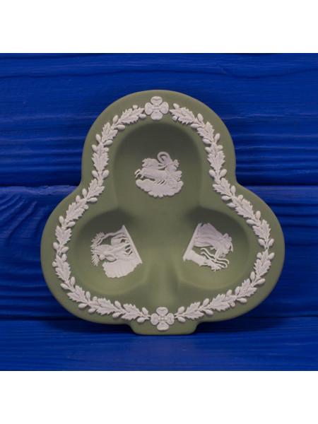 Коллекционная тарелка Wedgwood Крести из серии Карточные масти