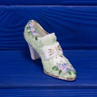 Очаровательная туфелька с цветами и бантом от Royal Stratford